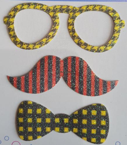 Application Lot de 3  Lunettes, Moustaches et Noeud